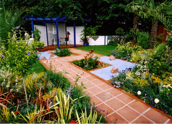 Landscaper gardeners architects what do they do for Land design landscaping