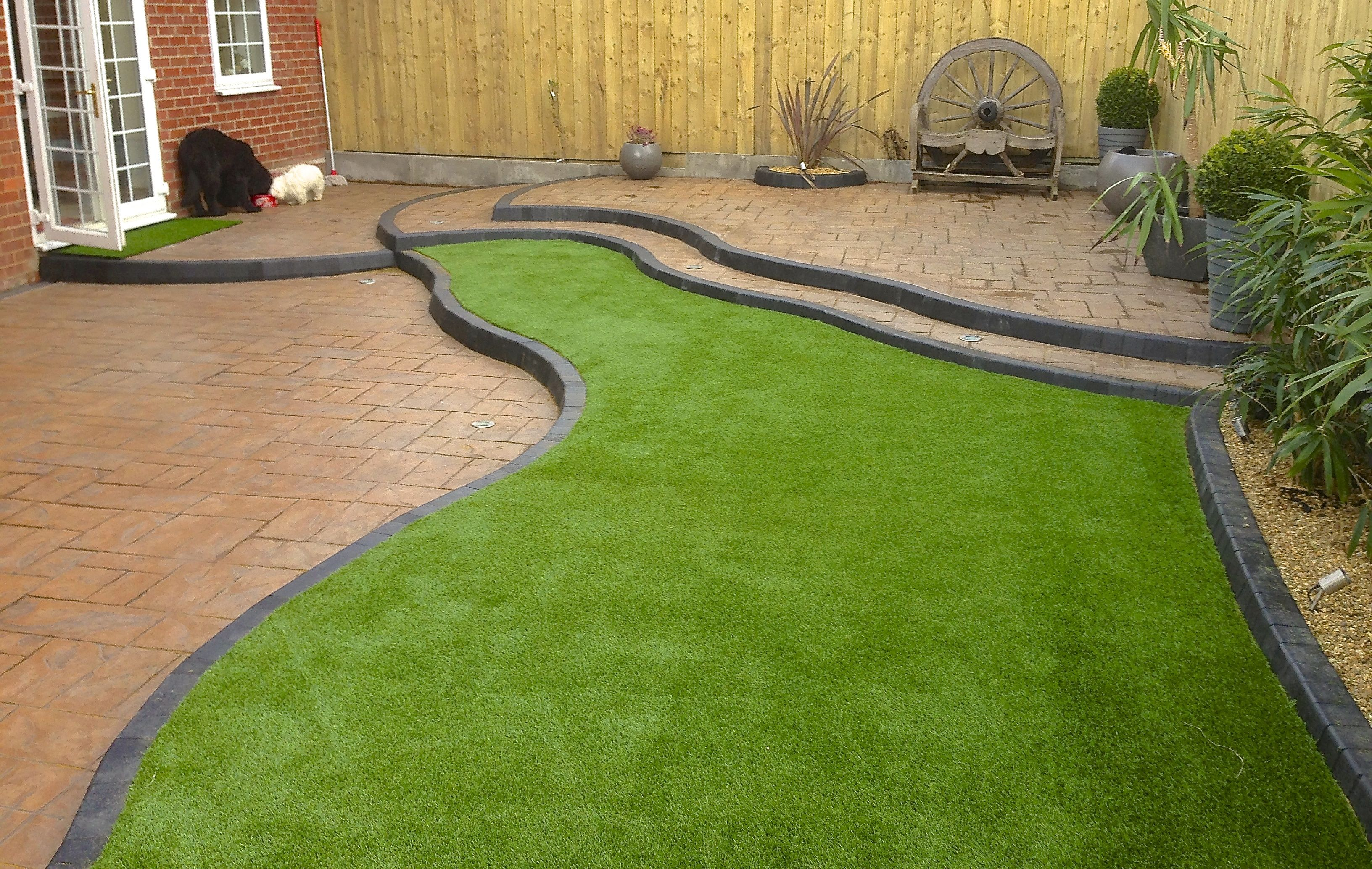 Turf installer what artificial grass specialists do - Erba vera in terrazzo ...