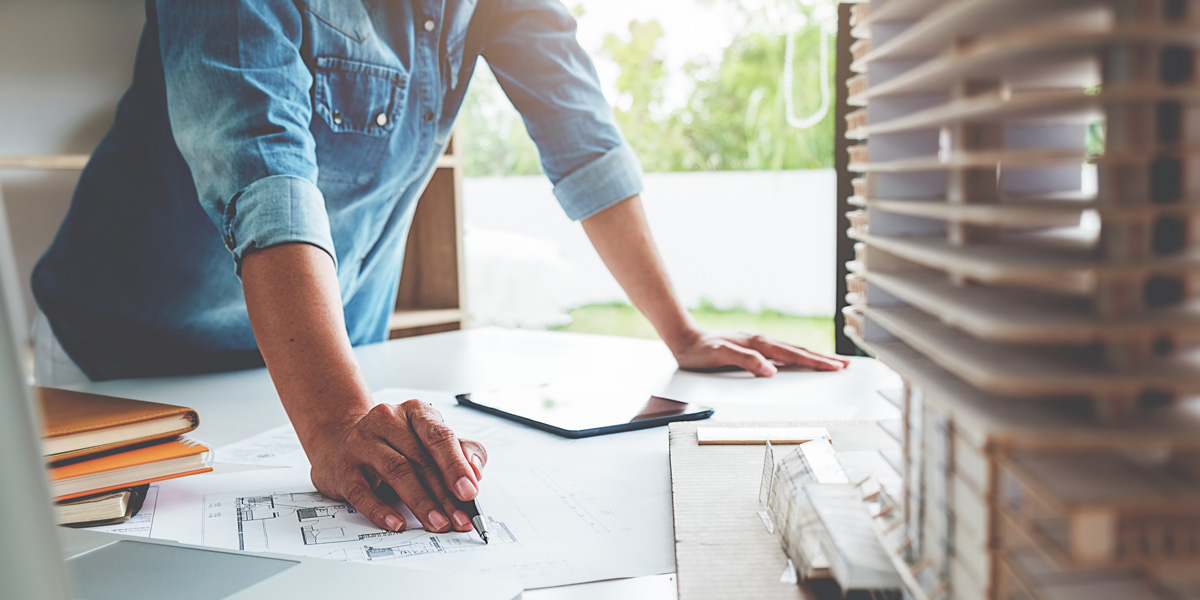 Should You Choose a Project Manager or a Builder?