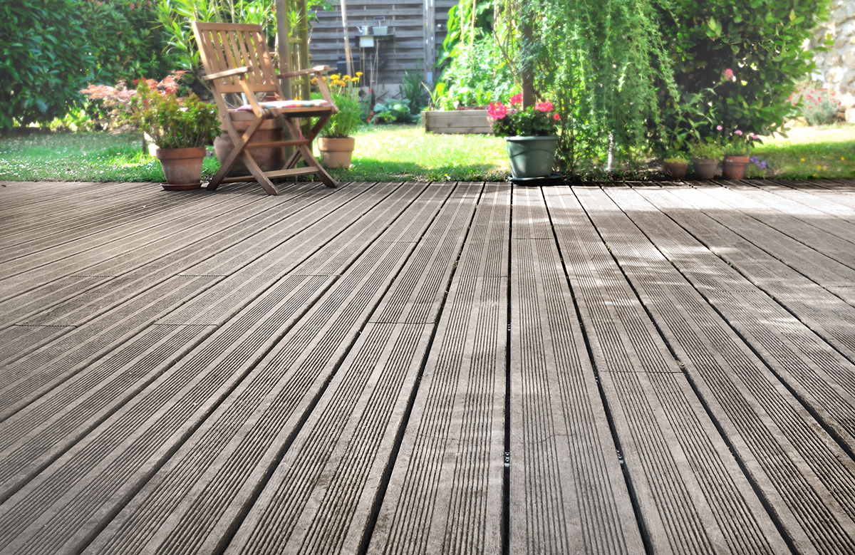 Decking - Choosing the Right Material for Your Home