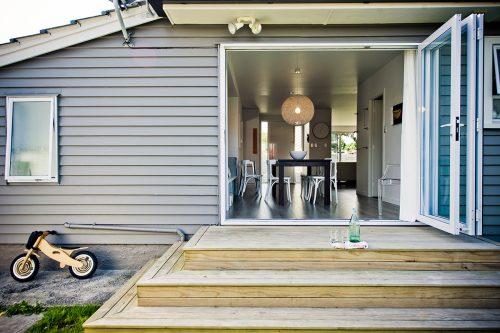 Exterior-of-a-Modern-Designer-Home_Resized 1200x800