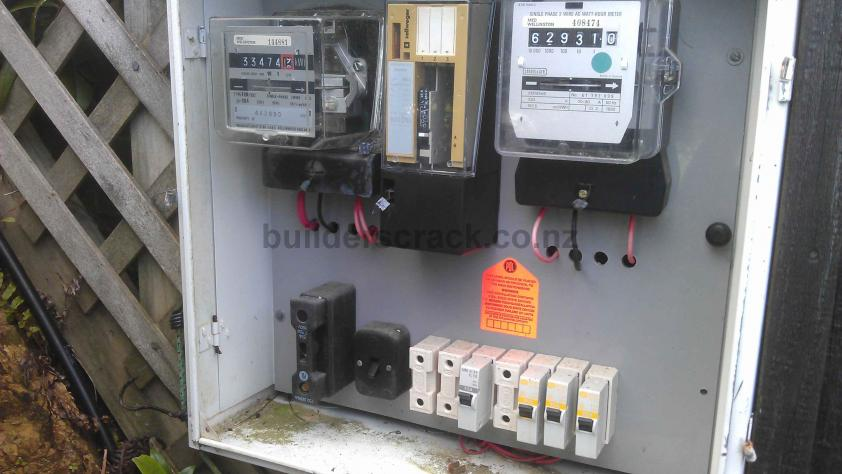 large fuse installation for hot water cylinder ( 32523) builderscrack hot water heater fuse box at readyjetset.co
