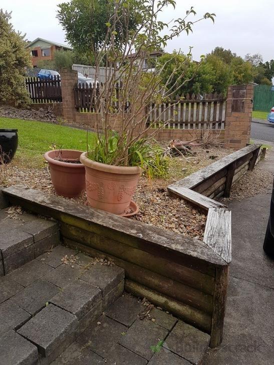 The auckland landscape company ltd builderscrack for Auckland landscaping services