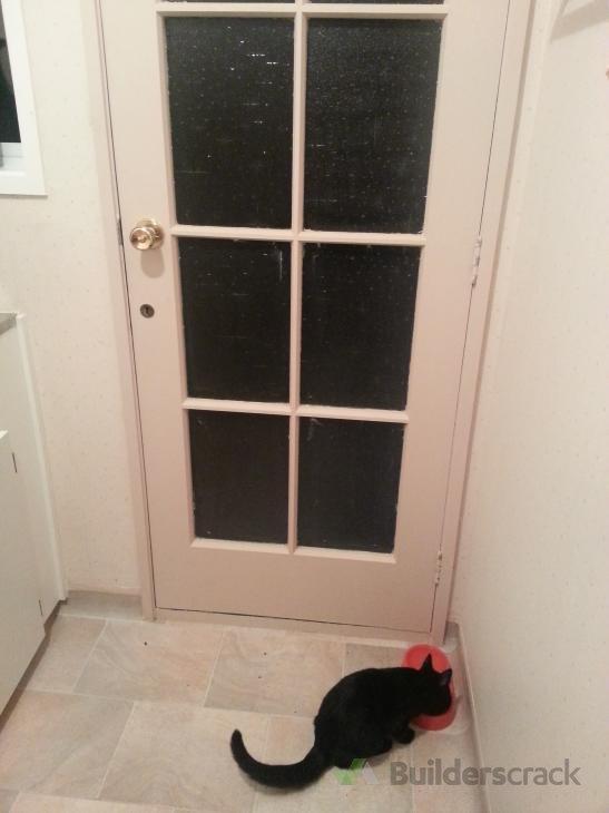How to install cat door
