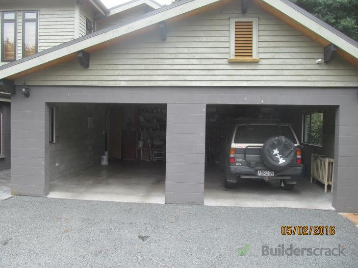 Garage door install 144183 builderscrack for Garage door installation jobs