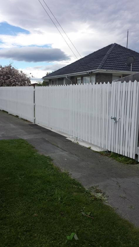 Fence Painting At 53 Stackhouse 160235 Builderscrack