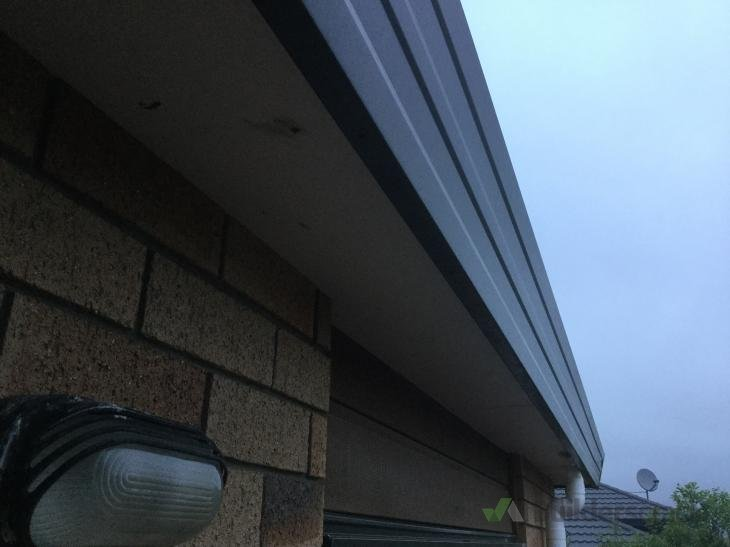 Vibrating noise from gutter or soffit in gusty winds
