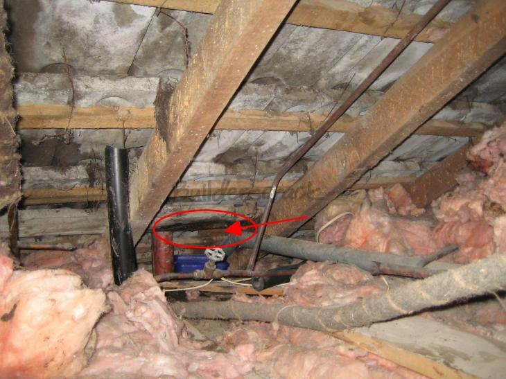 Fix A Leaking Tile Roof 2 194948 Builderscrack