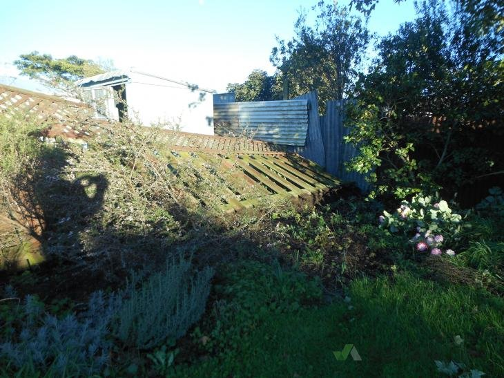 Repairs to boundary fence 197568 builderscrack for Boundary wall cost calculator