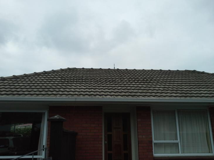 how to fix roof tiles