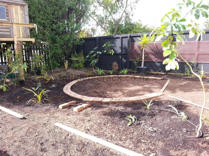 Mow strip pavers and ready lawn 55382 builderscrack for Ready lawn christchurch