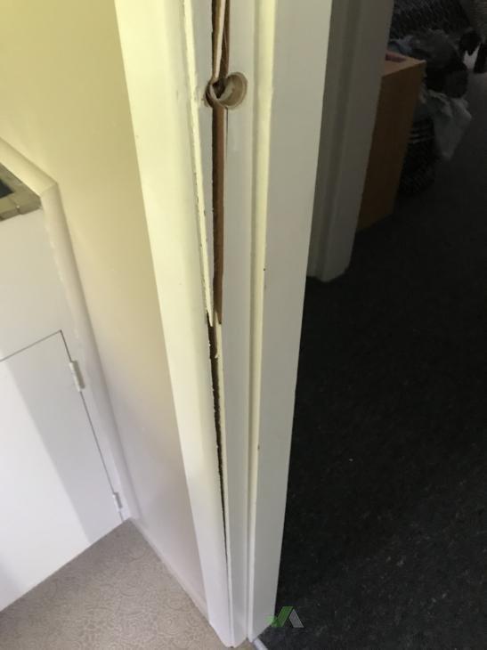 Bathroom Door Repair Builderscrack - Bathroom door repair