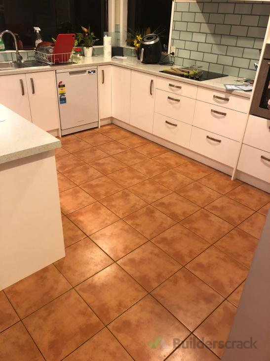 Replace kitchen floor (# 298349) | Builderscrack