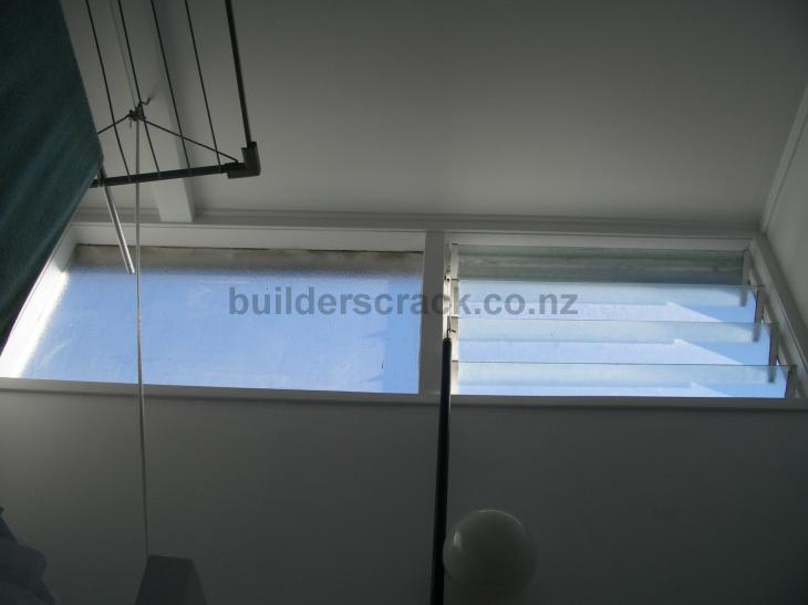Louvre window replacement 72725 builderscrack for Window installation nz