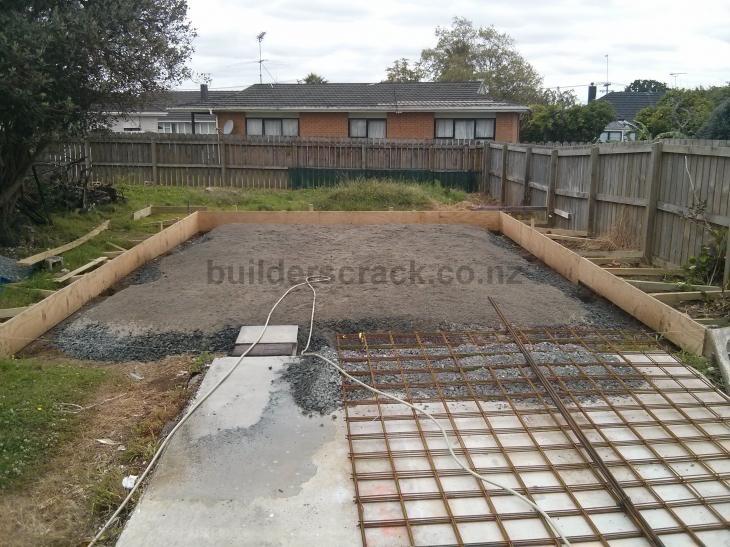 Pour concrete slab garage 74527 builderscrack for Concrete slab for garage