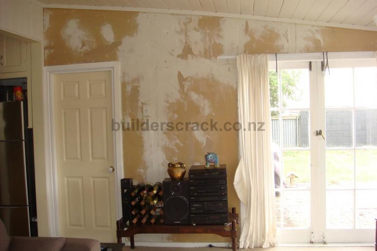 Skimming Walls Of Lounge After Stripping Wallpaper 3346