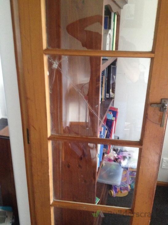 Replace Cracked Window Pane 87516 Builderscrack