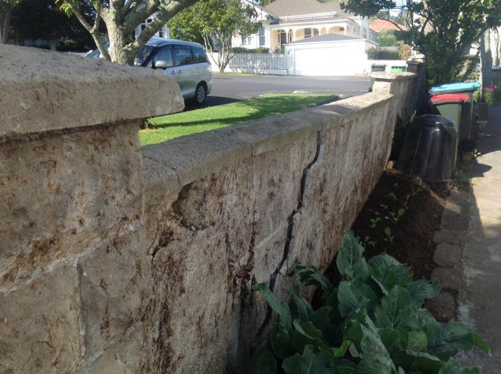 Demolition Concrete Wall : Old concrete wall removal  builderscrack