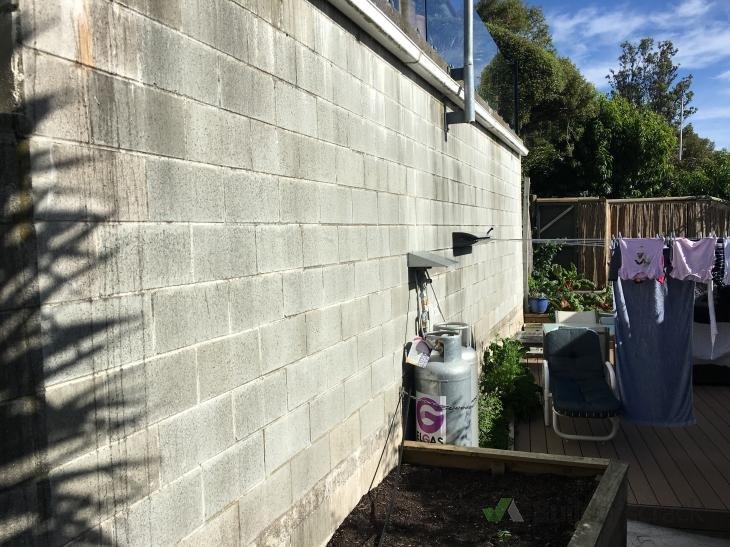 Paint Exterior Concrete Block Wall 120373 Builderscrack