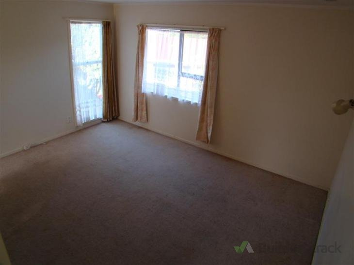 bedroom area bedroom lounge and hallway property is in new windsor