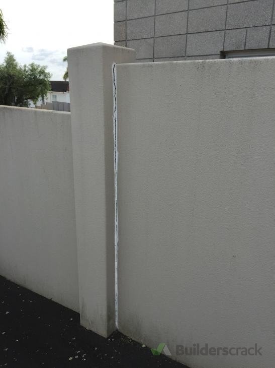 Boundary masonry wall repair 129063 builderscrack for Boundary wall cost calculator