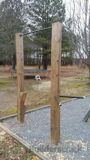 Outdoor pull-up bar (# 129587) | Builderscrack